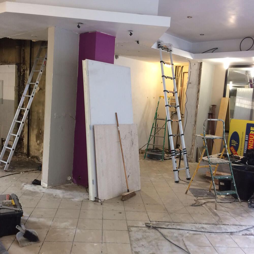 travaux de demolition et d'électricité dans l'espace de coworkling the 4th